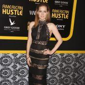 Amy Adams : Sexy en dentelle transparente devant son chéri et Bradley Cooper