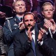 Le prince Haakon de Norvège, sans son épouse Mette-Marit mais avec (derrière lui) Marius Borg, fils issu d'une précédente relation de la princesse, au concert du prix Nobel de la Paix le 11 décembre 2013  au Spektrum d'Oslo
