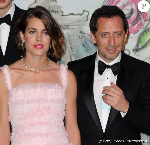 Charlotte Casiraghi et Gad Elmaleh posent et officialisent leur histoire d'amour au Bal de la Rose à Monaco en mars 2013. Charlotte a donné naissance à un petit Raphaël le mardi 17 décembre à Monaco.