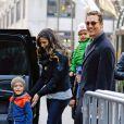 Matthew McConaughey et Camila Alves se baladent avec leurs enfants Levi et Vida à New York le 18 décembre 2013.