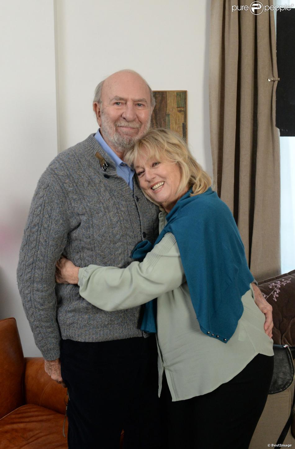 """Exclusif - Jean-Pierre Marielle et Mylène Demongeot sur le tournage du téléfilm """"Des roses en hiver"""" pour France 2, à Paris le 16 décembre 2013"""