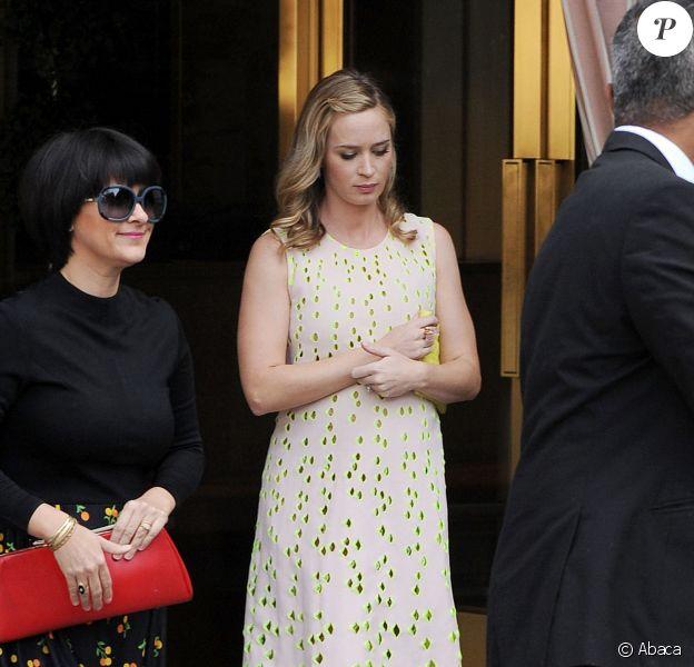 """Emily Blunt (enceinte) au """"Dior Luncheon"""" organisé à l'hôtel Sunset Towers d'Hollywood, le 8 janvier 2014."""