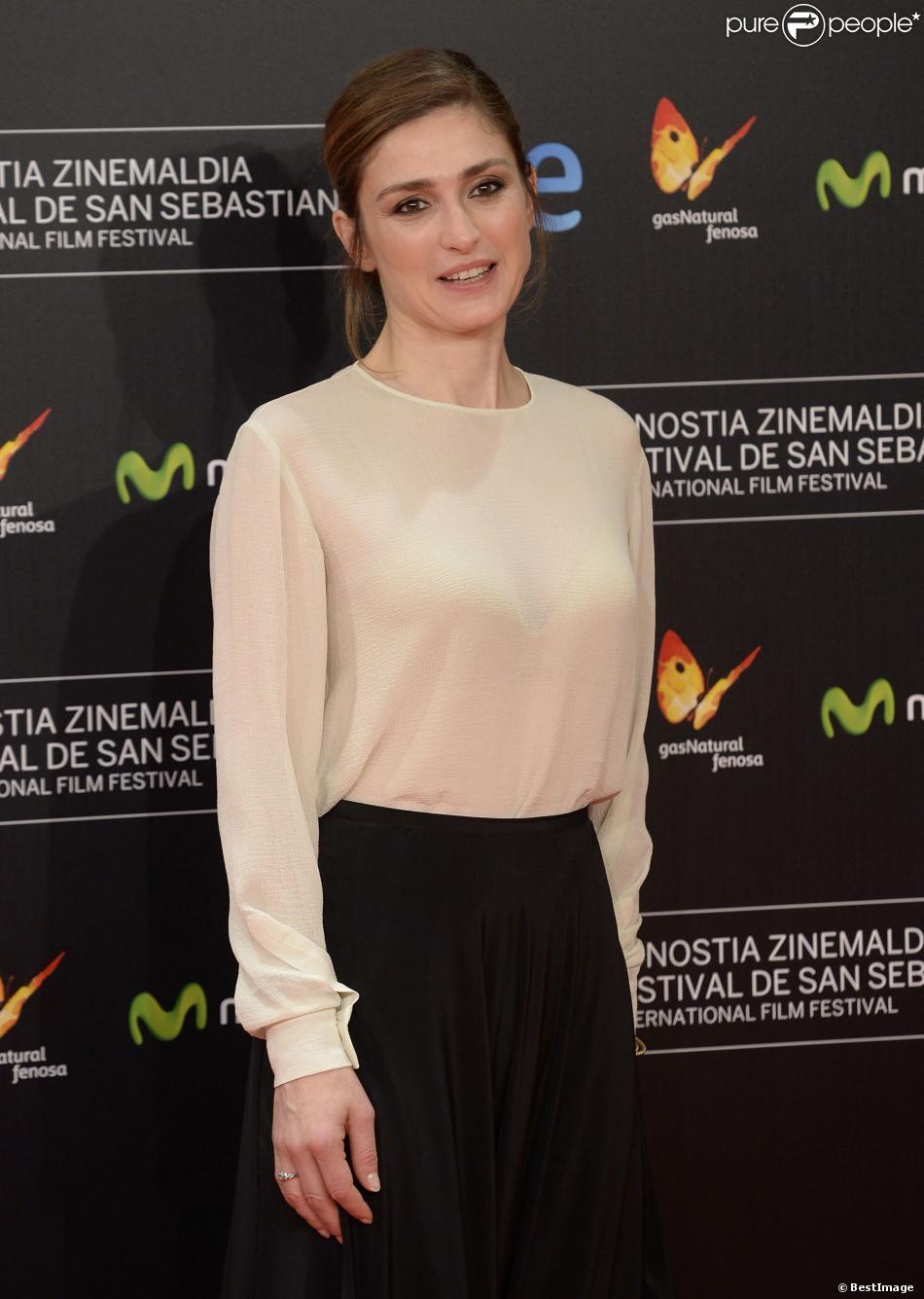 Julie Gayet lors de la première de 'Quai d'Orsay' lors du 61eme festival du film de San sebastien le 24 septembre 2013.