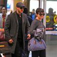 Ginnifer Goodwin (enceinte) en compagnie de son fiancé Josh Dallas à Vancouver, le 5 janvier 2014.