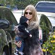 Fergie et son fils Axl à Brentwood, le 12 janvier 2014.