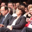 François Hollande, Martine Aubry, Manuel Valls, Julie Gayetlors de la convention d'investiture de François Hollande pour la présidentielle de 2012 à la Halle Freyssinet à Paris, le 22 octobre 2011.
