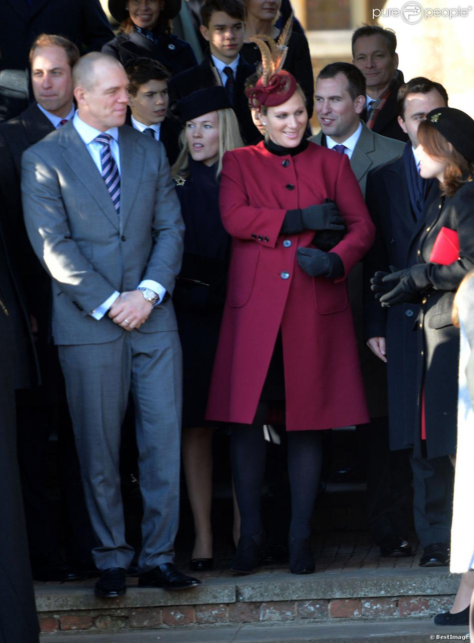 Zara Phillips, enceinte de huit mois, et son mari Mike Tindall à Sandringham le 25 décembre 2013 avec la famille royale pour la messe de Noël. Le couple a eu une petite fille le 17 janvier 2014.
