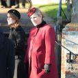 Zara Phillips, enceinte de huit mois, à Sandringham le 25 décembre 2013 avec la famille royale pour la messe de Noël. La fille de la princesse Anne a eu une petite fille le 17 janvier 2014.