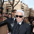 """Karl Lagerfeld lors des arrivées au défilé de mode Hommes Automne-Hiver 2014/2015 """"Dior Homme"""" à Paris, le 18 janvier 2014."""
