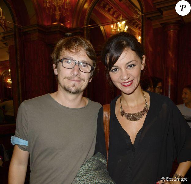 """Exclusif - Lorànt Deutsch et son épouse Marie-Julie Baup lors de la première de la pièce """"Divina"""" à Paris, le 13 septembre 2013"""