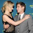 Imogen Poots et Zac Efron, très complices à la première du film That Awkward Moment à New York le 22 janvier 2014.