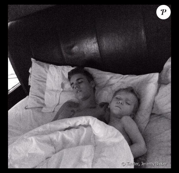 Jeremy Bieber, le père de Justin Bieber a publié une photo du chanteur sur Twitter, le 30 janvier 2014.