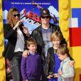 Mark Wahlberg et sa famille lors de l'avant-première de Lego Movie à Los Angeles, le 1er février 2014.