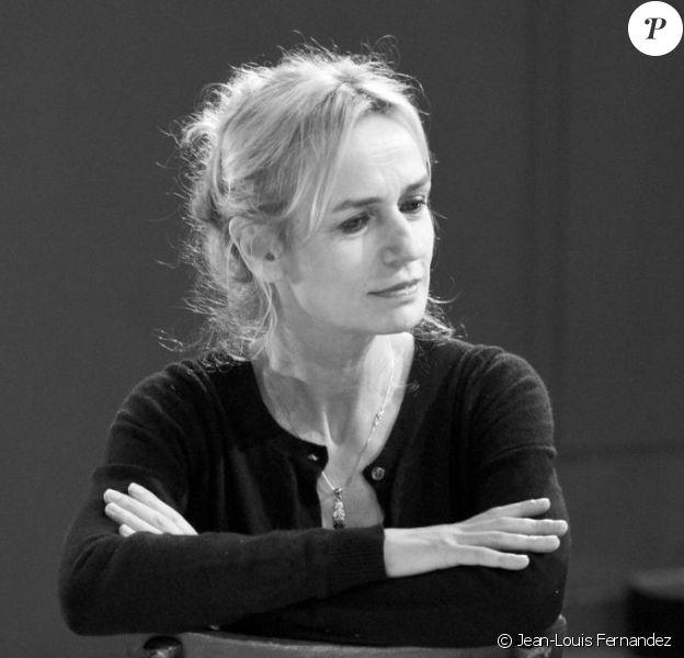 """Sandrine Bonnaire, Richard Brunel, directeur de La Comédie de Valence et metteur en scène, et Samira Sedira, auteur du texte, en pleine répétition de """"L'odeur des planches"""", du 21 au 24 février 3014 à la Comédie de Valence."""