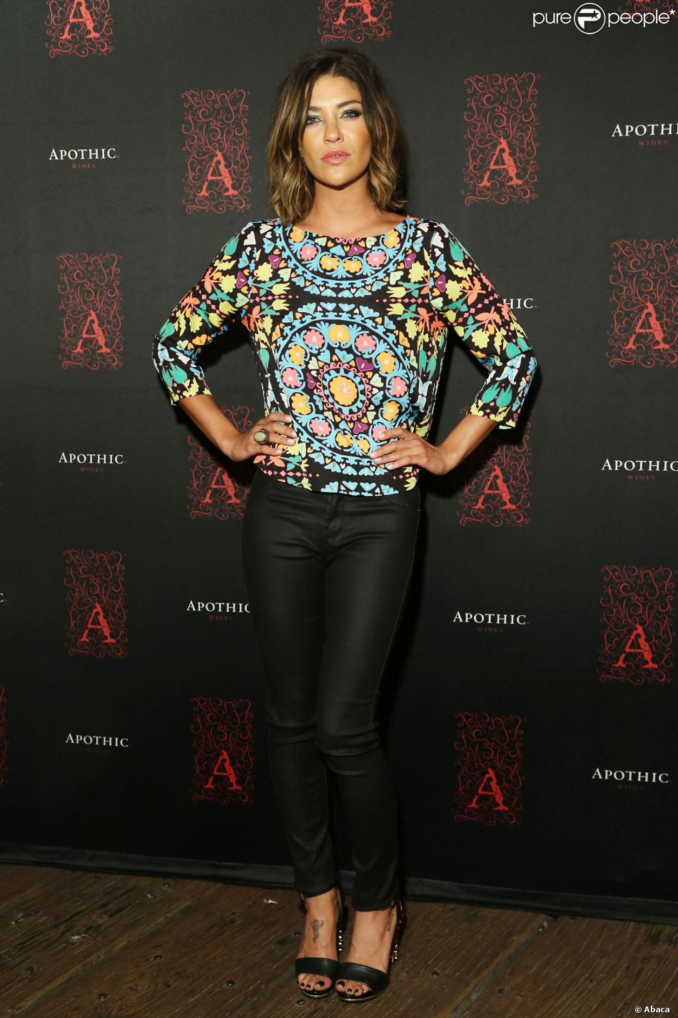 Jessica Szohr au lancement d'Apothic Dark à Los Angeles le 25 septembre 2013