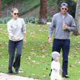 Molly Sims, son mari Scott Stuber et leur fils Brooks à Beverly Hills, Los Angeles, le 26 janvier 2014.
