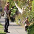 Molly Sims emmène son fils Brooks chez le pédiatre à Santa Monica, le 4 février 2014.