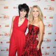 """Joan Jett et AnnaSophia Robb sur le tapis rouge de la soirée """"Go Red For Women"""", lors de la fashion week à New York, le 6 février 2014."""