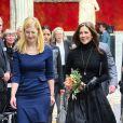 La princesse Mary de Danemark faisait pour la première fois équipe avec la ministre Sofie Carsten Nielsen à la glyptothèque de Copenhague le 6 février 2014 pour la remise du Prix de la Recherche Elite.