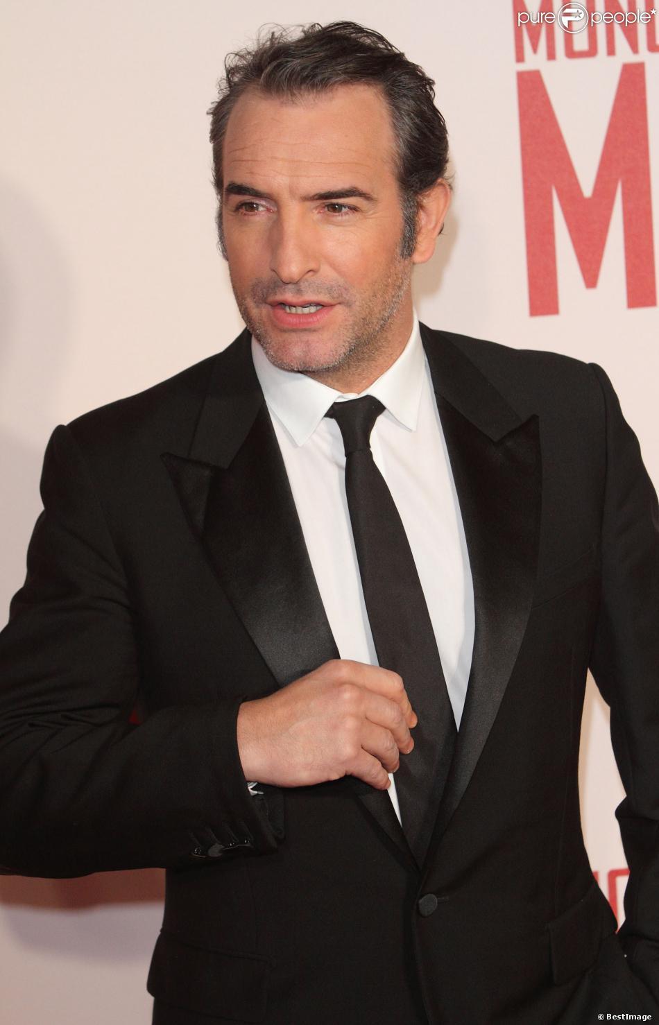 Jean dujardin lors de la premi re du film the monuments for Film jean dujardin 007