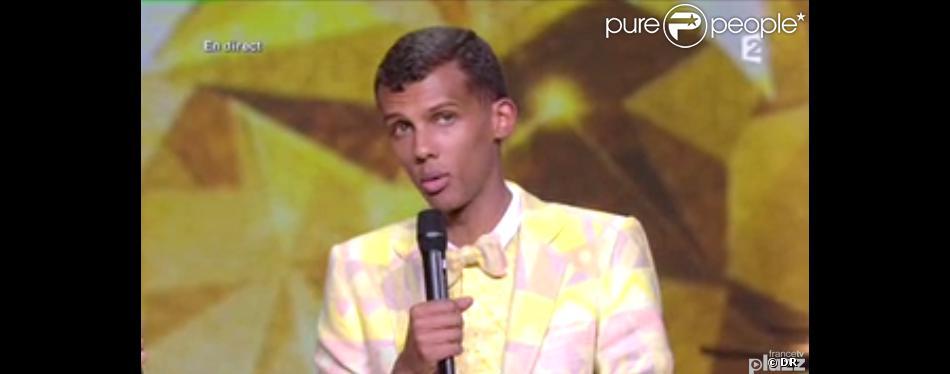 Stromae, une nouvelle fois récompensé après le clip, sacré Interprète masculin de l'année - 29e cérémonie des Victoires de la Musique, au Zénith de Paris, le 14 février 2014.