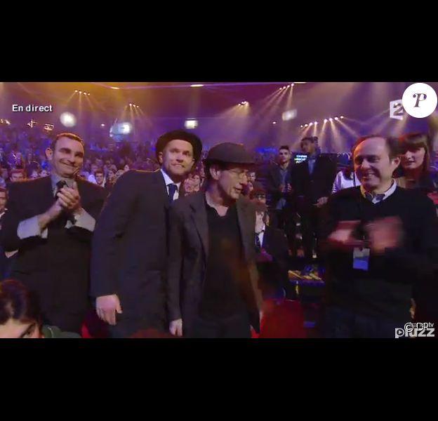 David Ford et Miossec recoivent la Victoire de la chanson originale pour 20 ans, chantée par Johnny Hallyday - 29e cérémonie des Victoires de la Musique, au Zénith de Paris, le 14 février 2014.