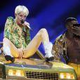 """Miley Cyrus en concert dans le cadre de son """"Bangerz Tour"""" au Honda Center d'Anaheim, le 20 février 2014."""
