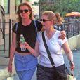 Julia Roberts et Nancy Motes à New York le 10 août 2002.