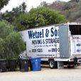 Un camion de déménagement devant la maison de Katy Perry, à Los Angeles le 26 février 2014.