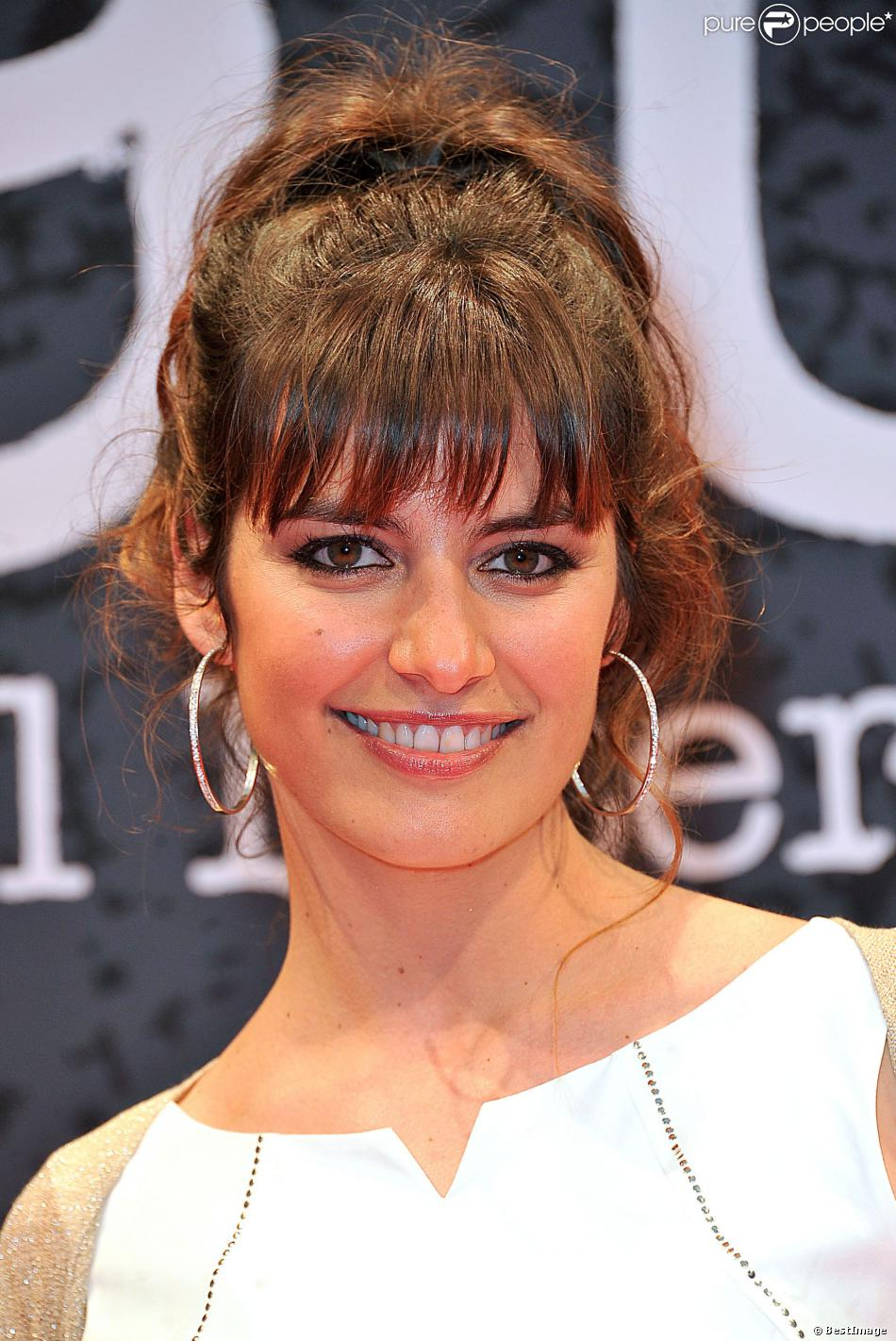 Laetitia Milot sur le tapis rouge du 5e Festival International du Film Policier de Beaune le 5 avril 2013.