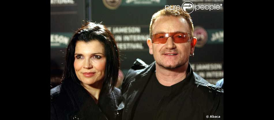 bono et sa femme invit s de marque chez les sarkozy purepeople. Black Bedroom Furniture Sets. Home Design Ideas