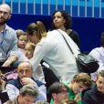 Laure Manaudou et sa fille Manon assistent à la finale de l'Open 13 de tennis à Marseille le 23 février 2014.