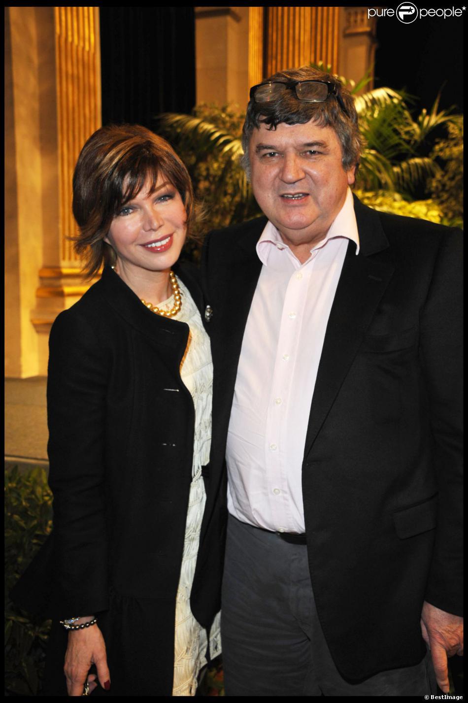 Isabelle Morizet (Karen Cheryl) et son mari Jérôme Bellay à Paris le 3 mars 2011.