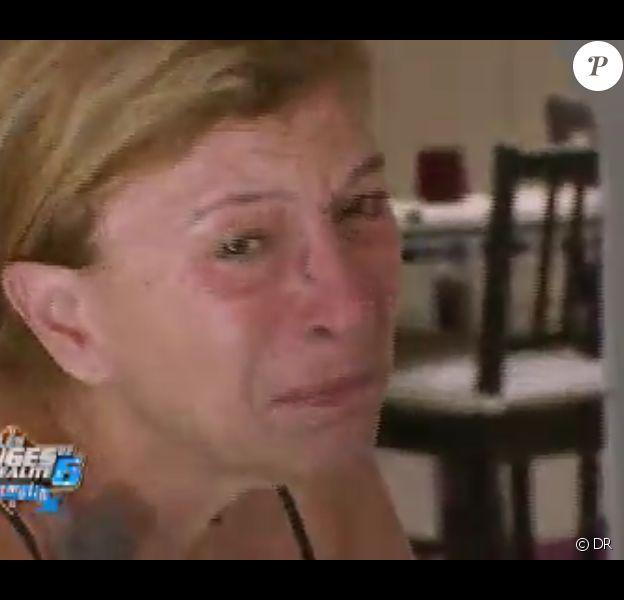 Linda craque dans Les Anges de la télé-réalité 6 sur NRJ 12 le 17 mars 2014