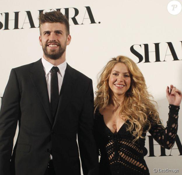 La chanteuse Shakira est venue présenter son nouvel album, le 10e, en présence de Gerard Piqué, à Barcelone, le 20 mars 2014.