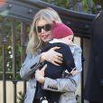 Fergie et son fils Axl à Los Angeles, le 25 décembre 2013.