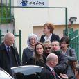 Angelina Jolie et le ministre britanniques des affaires étrangères, William Hague, arrivant à Zenica à la rencontre des femmes victimes de viols de guerre le 28 mars 2014