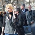 Sandrine Kiberlain lors des obsèques d'Alain Resnais au cimetière du Montparnasse à Paris le 10 mars 2014