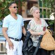 Cuba Gooding Jr. et sa femme Sara Kapfer se baladent dans les rues de New York, le 20 juin 2013.