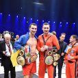 Vladimir Klitschko au côté de son frère Vitali après avoir conservé ses ceintures WBA-IBF-WBO des poids lourds en battant Alex Leapai par K.O à la cinquième reprise le 26 avril 2014 à Oberhausen