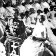 Le prince Rainier III de Monaco et Grace Kelly lors de leur mariage en la cathédrale de Monaco le 19 avril 1956