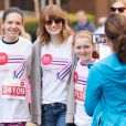 Emma Stone lors de la 17e marcue EIF Revlon Run pour les femmes, à New York le 3 mai 2014.