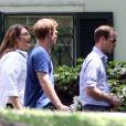 A la veille du mariage de leur ami Guy Pelly, le prince William et le prince Harry, avec les autres invités de la noce, ont visité Graceland, à Memphis le 2 mai 2014.