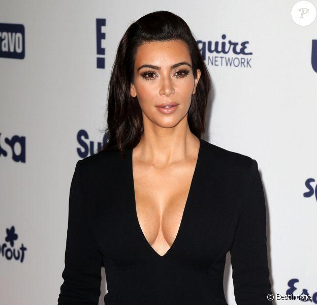 Kim Kardashian, ravissante dans sa robe Wes Gordon, assiste à l'événement NBC Universal Cable Entertainment Upfronts. New York, le 15 mai 2014.
