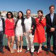 Exclusif - Adrien Chabal, Emilie Briand, une invitée, le réalisateur Pitof, l'actrice chinoise Jin Shan et Arnaud Metral - Déjeuner sur la plage du Majestic organisé par AlloCiné et le groupe Lucien Barrière avec des acteurs et des réalisateurs du monde du cinéma à l'occasion du 67e festival du film de Cannes à Cannes le 15 mai 2014.