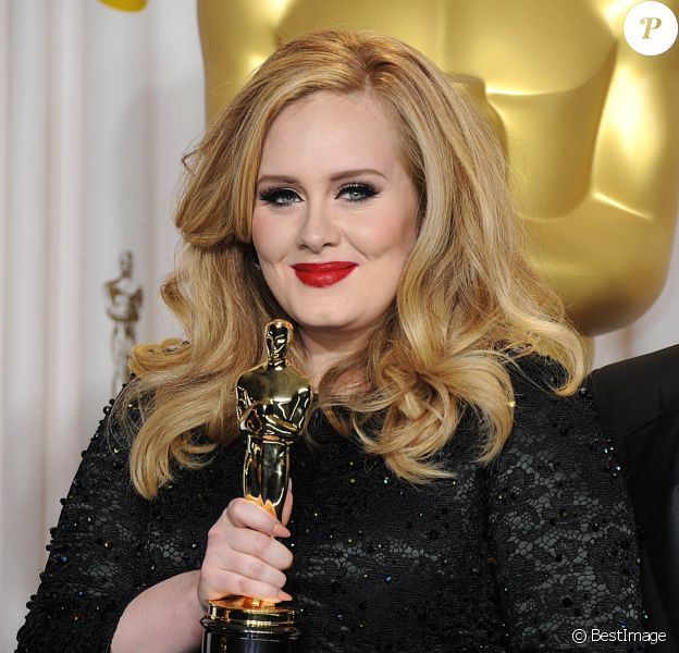 Adele lors de la 85e cérémonie des Oscars à Hollywood, le 24 février 2013.