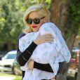 Gwen Stefani et son fils Apollo Bowie arrive au cabinet du Dr. Adrien Survol Rivin, à Sherman Oaks. Le 20 mai 2014.