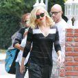 La ravissante Gwen Stefani quitte le cabinet du Dr. Adrien Survol Rivin à Sherman Oaks, accompagnée d'un garde du corps et d'une nounou. Le 20 mai 2014.