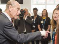 Prince Philip : Un bandage à la main, signe d'une discrète opération...