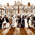 Photo de famille pour les invités du brunch de mariage de Kanye West et Kim Kardashian, au château de Wideville. Crespières, le 23 mai 2014.